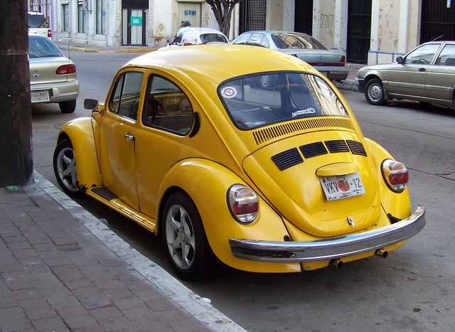 mzt09m033 mazatl n street yellow vw beetle mexico 2009 flickr photo sharing. Black Bedroom Furniture Sets. Home Design Ideas