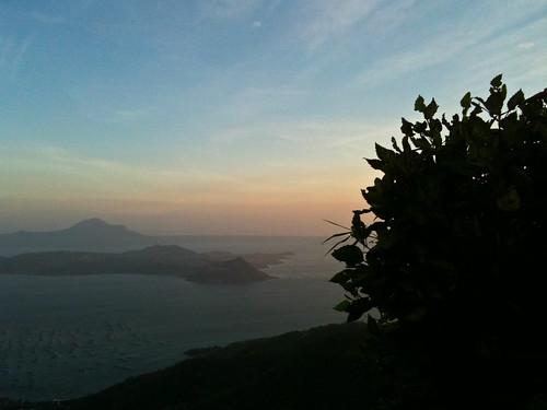 sunset nature silhouette horizon tagaytay taalvolcano dapithapon shyninglyt