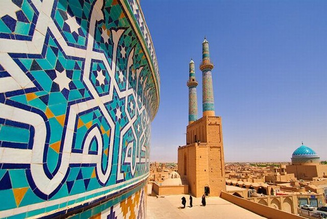 The Jāmeh Mosque of Yazd Iran by CC user alireza_parsi on Flickr