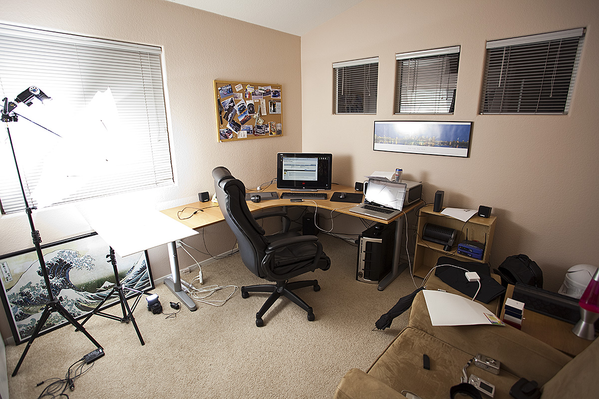show us your home office studio the lounge in photography on forums. Black Bedroom Furniture Sets. Home Design Ideas