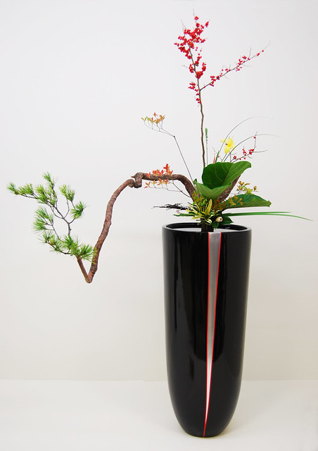 Ikebana (Japanese Flower Arranging) Supplies including: