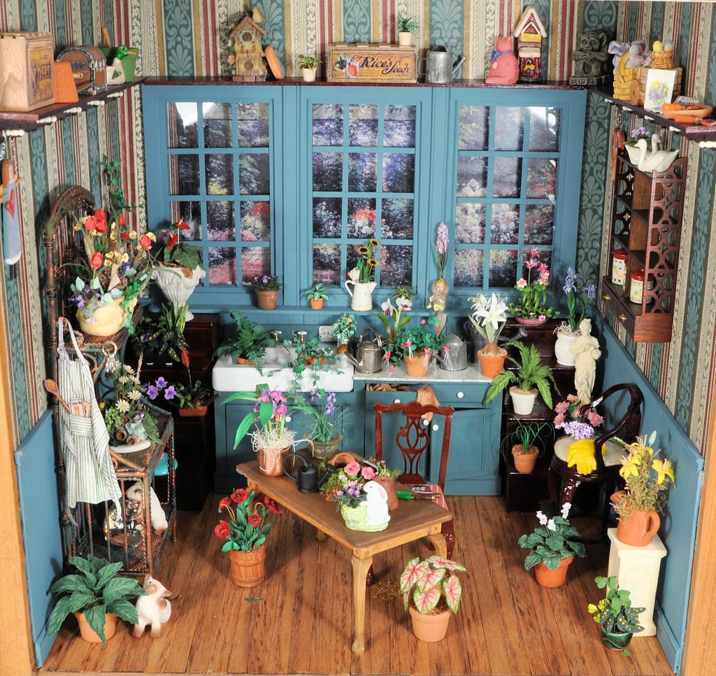 Gardening Room 1:12 Scale Dollhouse Miniature