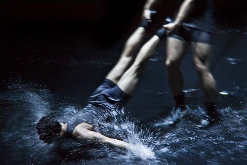 Cirque Eloize Rain