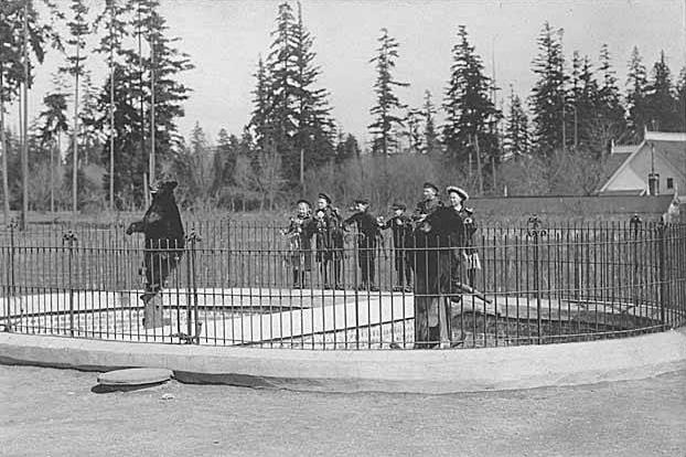 Woodland Park Zoo showing children at bear exhibit, Seattle