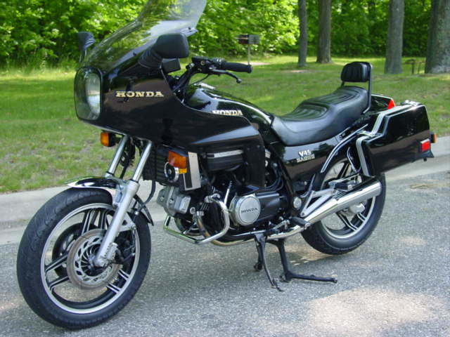Cw25 blogspot in addition Itemid 600114929 moreover Archive together with 1988 moreover 1986 Honda Interceptor 500. on honda vf 750