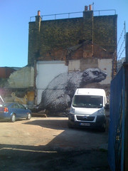 Beaver on the Hackney Road (by Roa)
