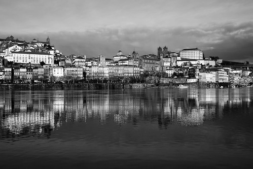 Oporto mirror (B&W version)