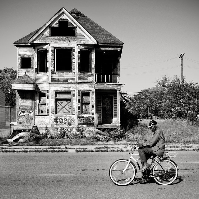 5848354199 a30e2542c1 z Capturing The Spirit of Detroit: Video Interview with Brian Day, Street Photographer