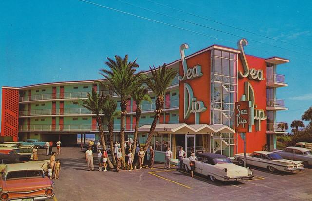 Sea Dip Motel and Apartments - Daytona Beach, Florida U.S.A. - 1950s
