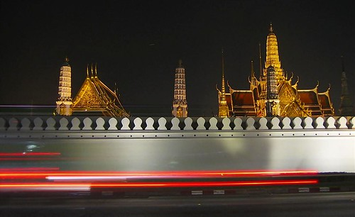 two faces of Bangkok