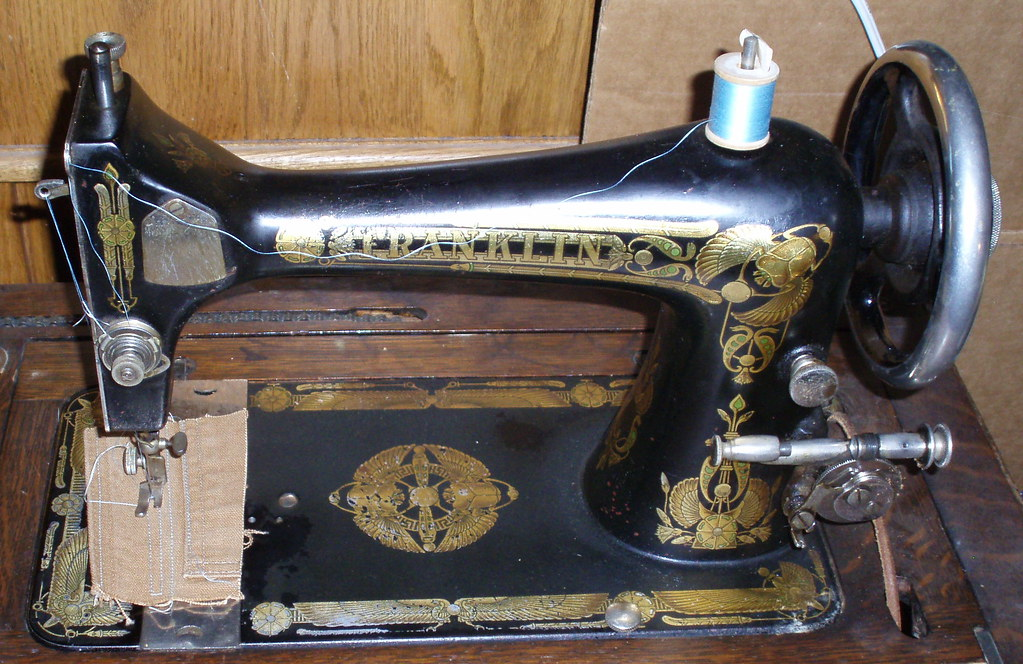 Franklin Vibrating Shuttle Sewing Machine