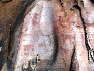 Cave paintings in Rock Shelters of Bhimbetka (2)