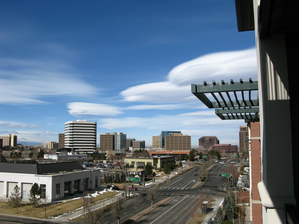 Disc shaped lenticular clouds