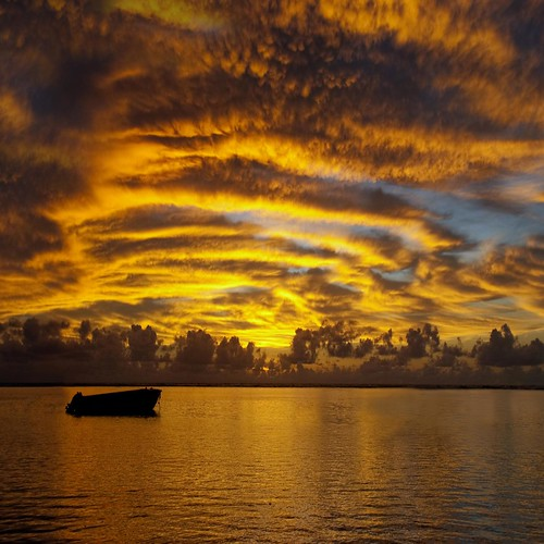 sunset sky clouds boat raw indianocean mauritius 200faves d80 world100f