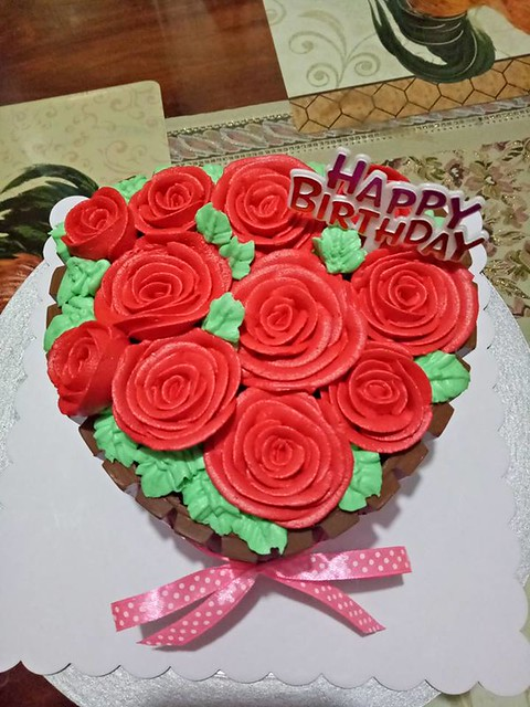 Kitkat Heart Bouquet Birthday Cake by Shayne's Sweets