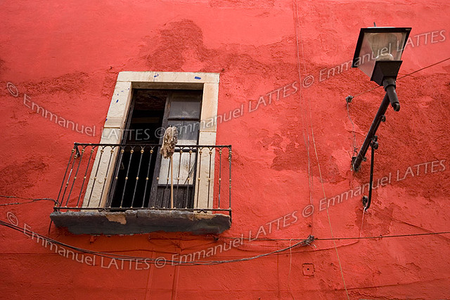 fen tre ouverte sur mur rouge guanajuato mexique flickr photo sharing. Black Bedroom Furniture Sets. Home Design Ideas