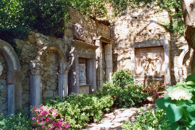 Villa ephrussi de rothschild jardin lapidaire for Jardin villa rothschild