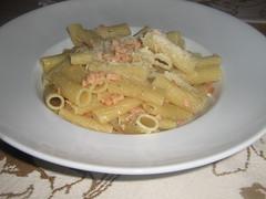 spaghetti(0.0), pappardelle(0.0), penne(0.0), fettuccine(0.0), carbonara(0.0), bucatini(1.0), pasta(1.0), produce(1.0), food(1.0), dish(1.0), cuisine(1.0),