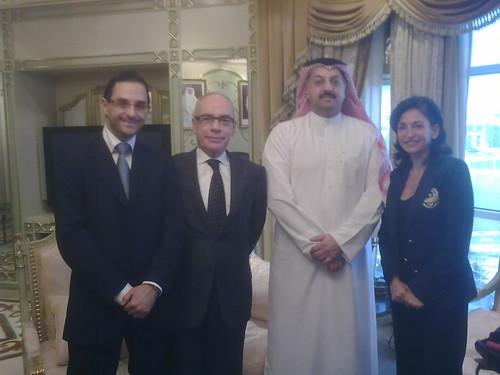 Arash Derambarsh, S.E. Monsieur le Ministre des Affaires Etrangeres et de la coopération du Qatar Dr Khaled Ben Ali Atteya, Son Excellence M. l'Ambassadeur de France au Qatar Gilles BONNAUD et Nicole Guedj