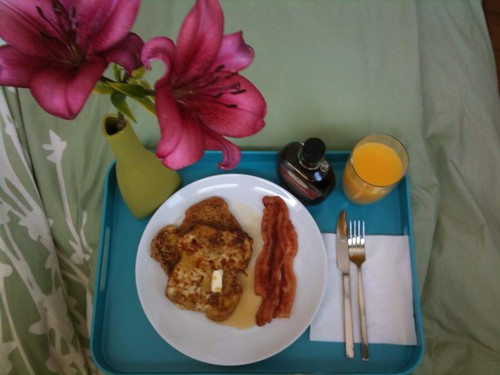 Claire made me breakfast in bed!