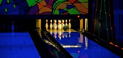 billiard room(0.0), sports(1.0), ball game(1.0), ten-pin bowling(1.0), bowling(1.0),