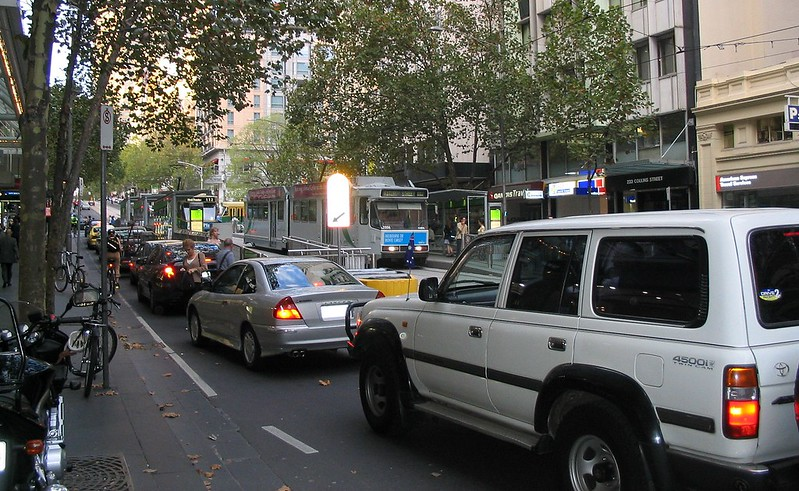 Traffic in Collins St, near Swanston St (March 2004)
