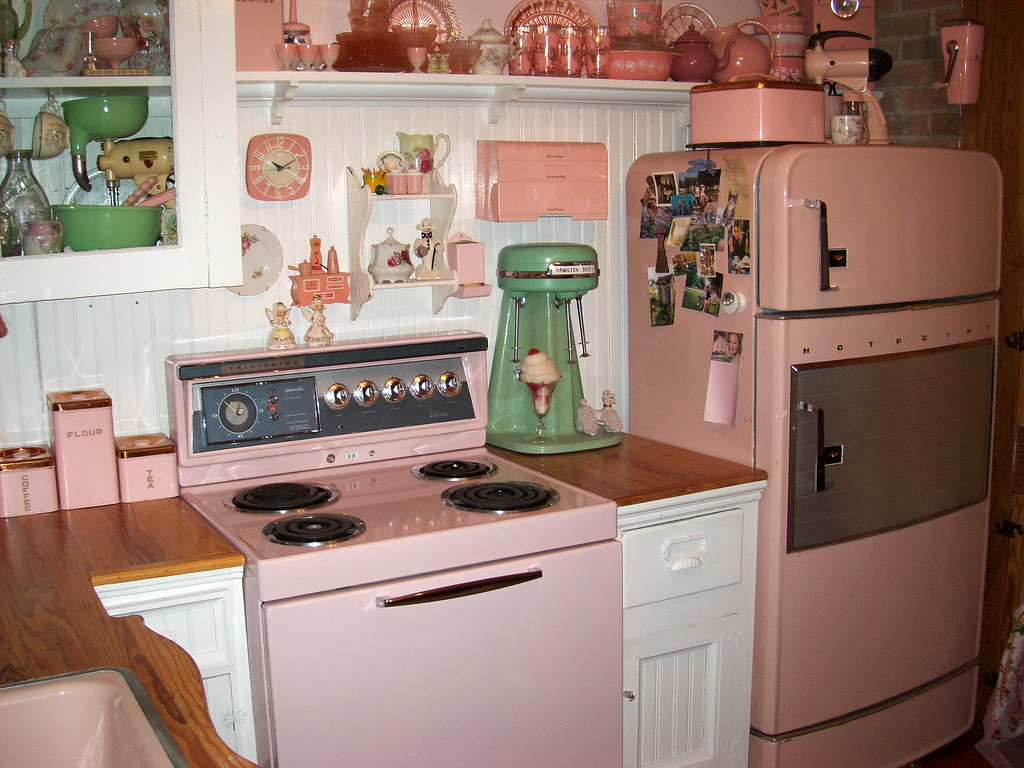 Details on pinterest 1950s kitchen lee friedlander and for Kitchen decoration pink