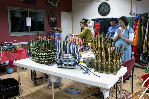 Basket Weaving Groups : Bd ea g