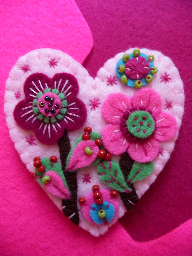 FAIRYLAND HEART SHAPE FELT BROOCH- BABY PINK | Please visit