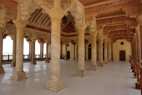 Columnatas que adornas las llamadas Oficinas del Palacio fuerte amber, una de las siete maravillas de la india - 4143458740 2f688fc102 - Fuerte Amber, una de las siete maravillas de la India