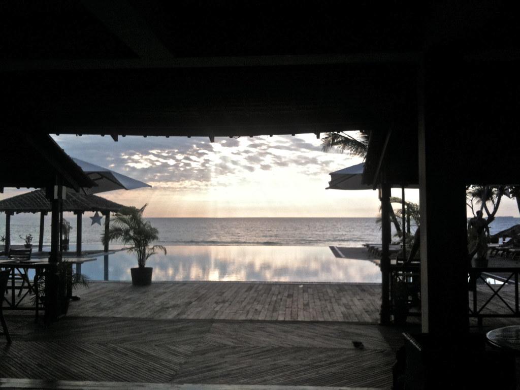 Palm Beach Hotel Frame