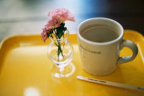 Morning Coffee in Ebisu, Tokyo (Canon F1, Agfa 400)