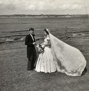 Toni Frissell: John F. Kennedy and Jacqueline Bouvier on their wedding day, 1953