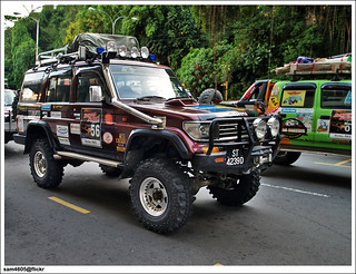 4x4 Borneo Safari 2009 Flag Off - Toyota Landcruiser Mark II J7