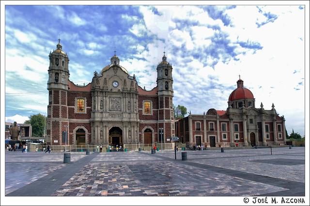 México. Antigua Basílica de Santa María de Guadalupe e Iglesia y Convento de las Madres Capuchinas.