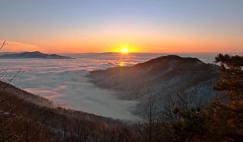 winter sunset sky usa cloud sun mountain snow mountains nature misty fog clouds forest landscape nikon cloudy tennessee snowstorm foggy scenic gimp nationalforest valley layers nikkor blueridgemountains cherohalaskyway cherokeenationalforest d90 3exp nationalscenicbyway unicoimountains