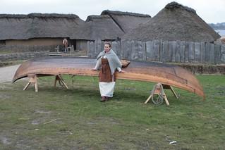 Wikinger Ruderboot Nökkvi und Hallveig in Haithabu - Museumsfreifläche Wikinger Museum Haithabu WHH 28-03-2010