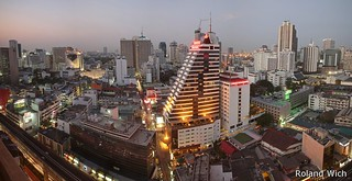 Bangkok - Lower Sukhumvit Road at dusk
