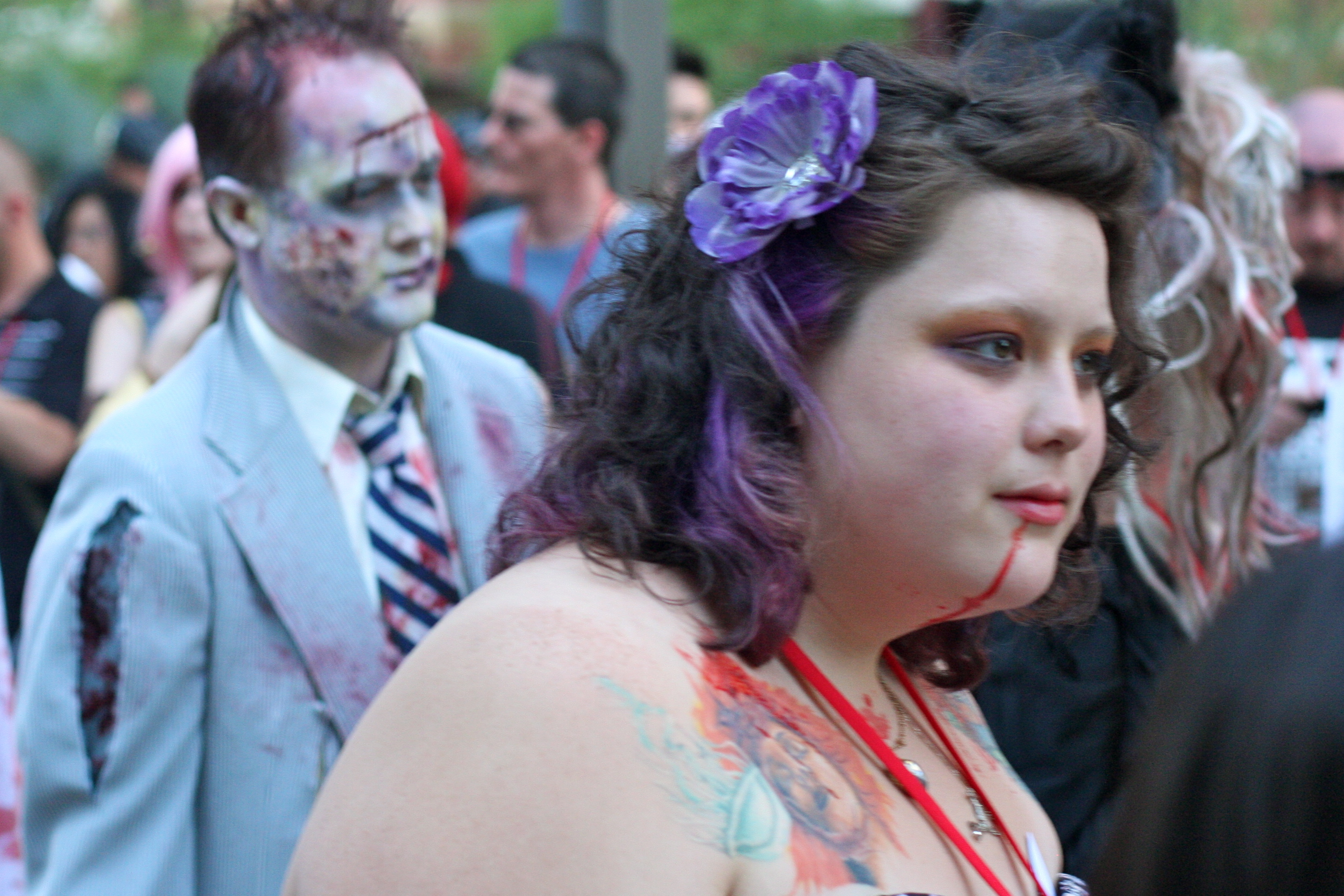 5848937210 875c3754a8 o Phoenix Comicon 2011 Zombie Walk Funny Picture