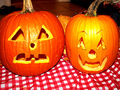 event(0.0), carving(1.0), pumpkin(1.0), halloween(1.0), calabaza(1.0), produce(1.0), winter squash(1.0), jack-o'-lantern(1.0), cucurbita(1.0),