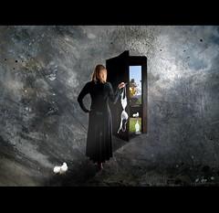 She opens magic Worlds - B5