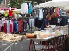 stall(0.0), market(1.0), bazaar(1.0), flea market(1.0), marketplace(1.0), public space(1.0),