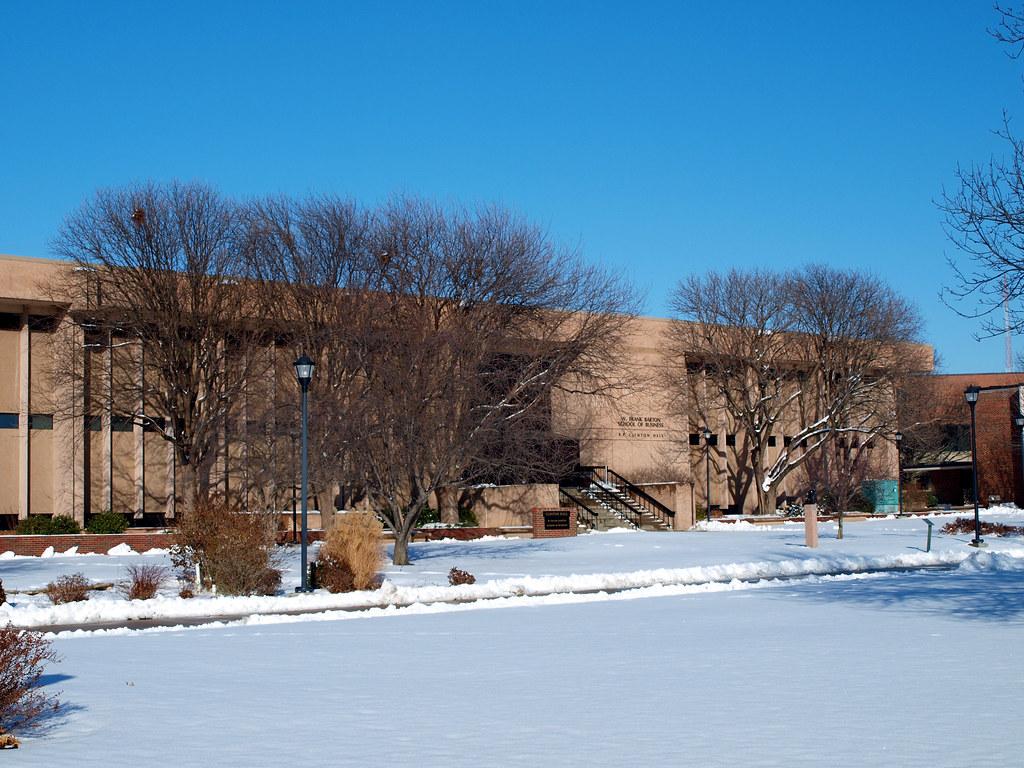 Hotels Near Wright State University