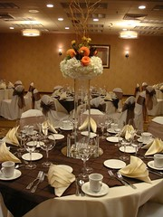 meal(0.0), dinner(0.0), wedding(0.0), party(0.0), buffet(0.0), function hall(1.0), restaurant(1.0), ballroom(1.0), centrepiece(1.0), banquet(1.0), ceremony(1.0),