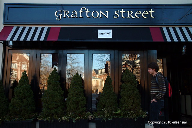 Grafton Street in winter - En Hiver c'est le restaurant Grafton Street rue Bow près de la Place Harvard