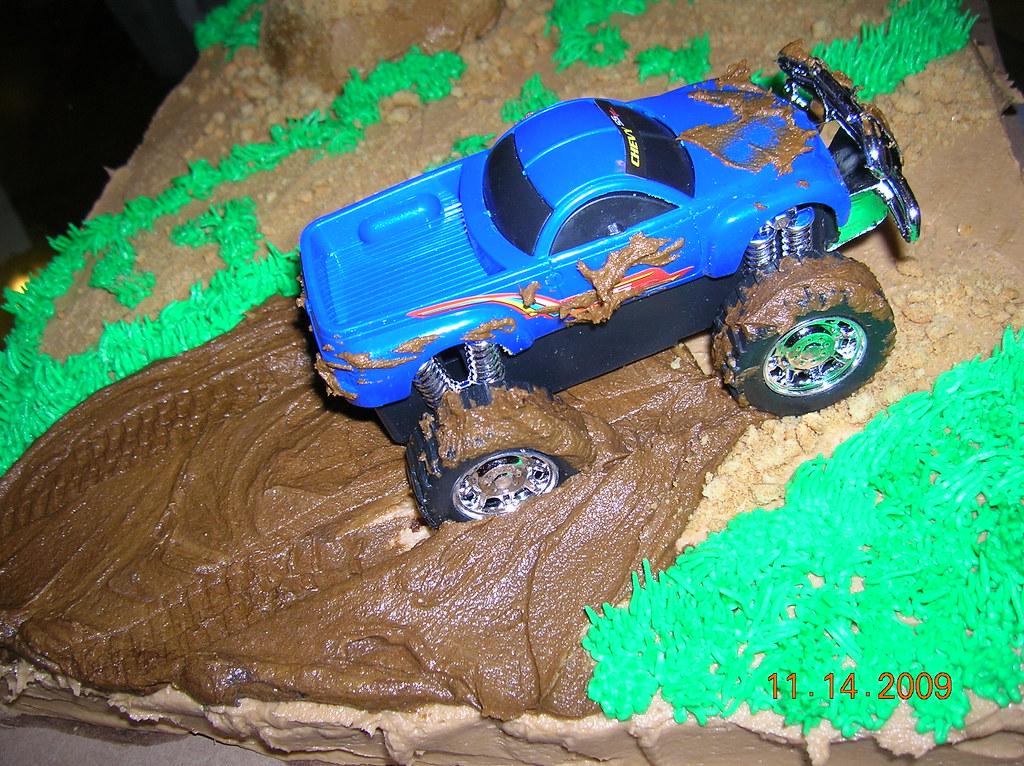 Truck mudding cake