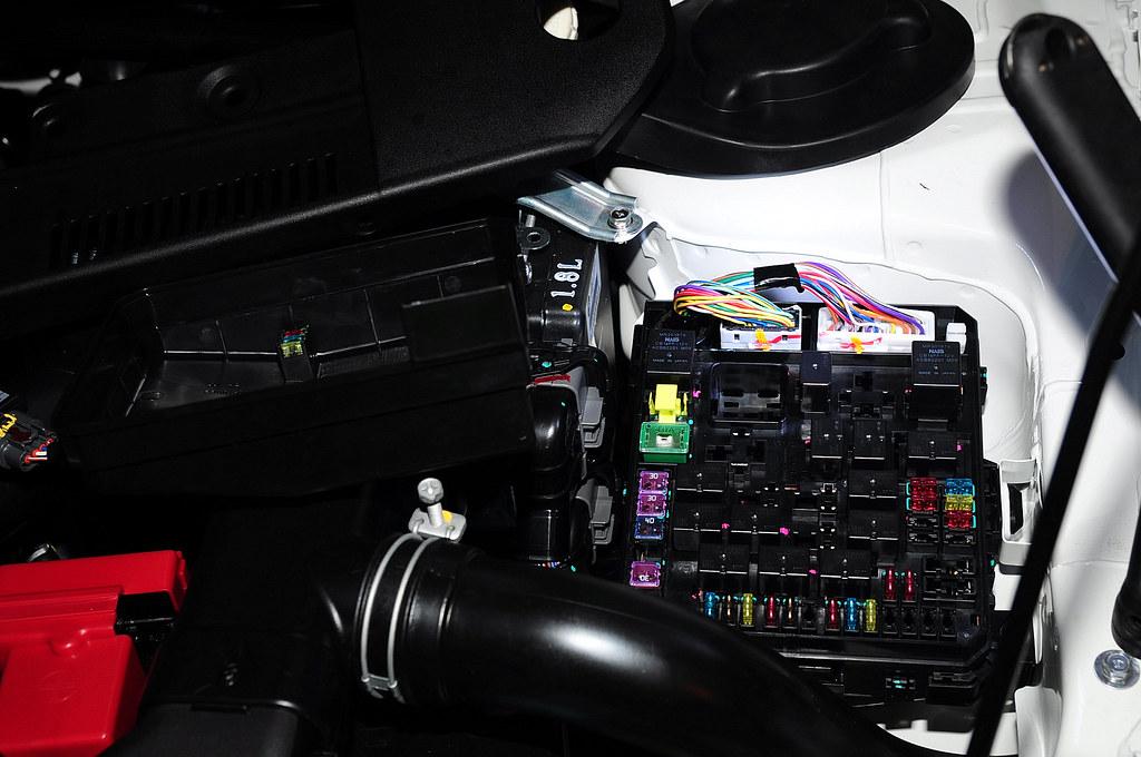 征服者 XR-2009 測速器的室外機電源要從這邊接
