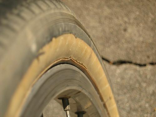 Panaracer Pasela sidewall damage 700X35C Tourguard w/ Kevlar bead