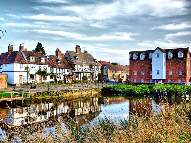 Summer in Tewkesbury, by Jayt74. Image used under creative commons, click pic for link.