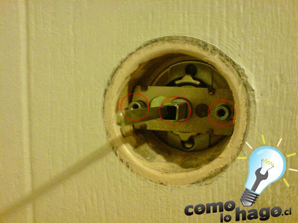 C mo lo hago c mo cambiar la chapa de una puerta for Como reciclar una puerta de chapa